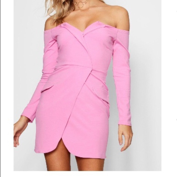 Boohoo Dresses & Skirts - Sexy off the shoulder Dress 💕